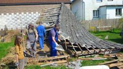Der alte Holzschuppen wir abgetragen