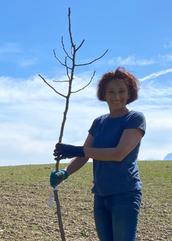 Erni (Gartenleitung) = unsere Spezialistin für das Wo und Wie im Garten