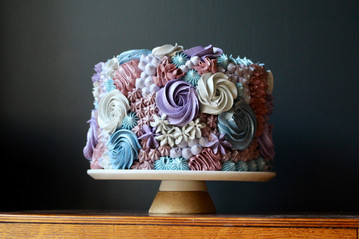 Pastel piped single tier cake