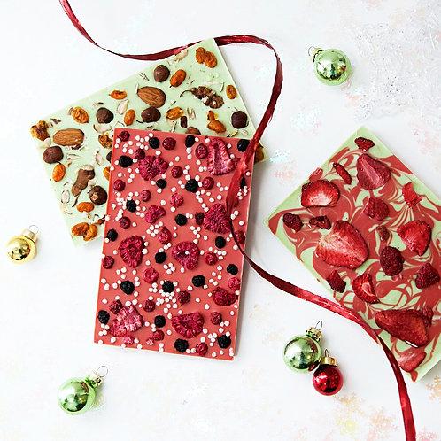 Новогодний цветной шоколад с клубникой, малиной, черникой (3шт.)