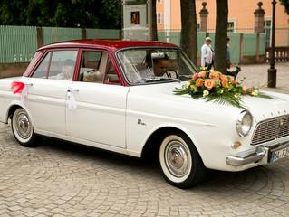 Stilvolle Hochzeit mit Oldtimer