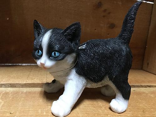 "Black and White Kitten Figurine - 5"" x 4.5"" x 2"""