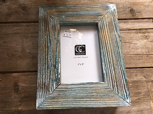 """9.5"""" x 7.5"""" x 2.25"""" 4x6 Sitting Wood Photo Frame by GiftCraft"""