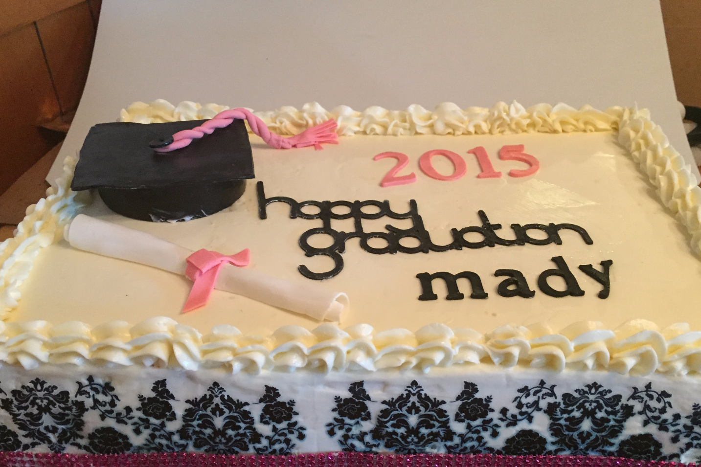 pink-and-black-graduation-sheet--cake_19