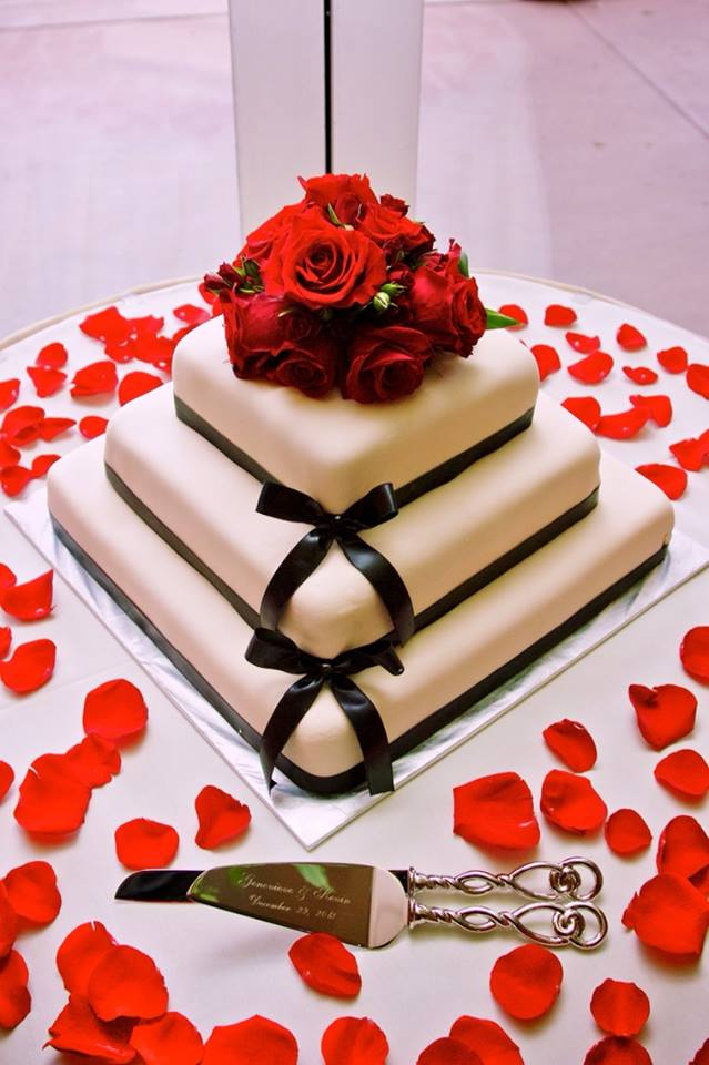 simpleelegentweddingcake_9951936784_o