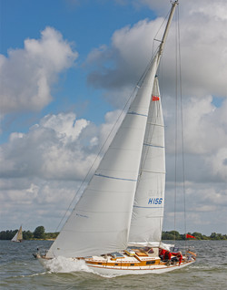03 Stbd tack port bow