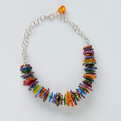 N025 Multicolor Transparent and Opaque Disc Bead 3/4 Necklace