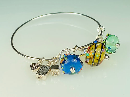 B057 A & A Bracelet Multicolor Transparent Beads Yellow/Green/Blue w/Varied Trim