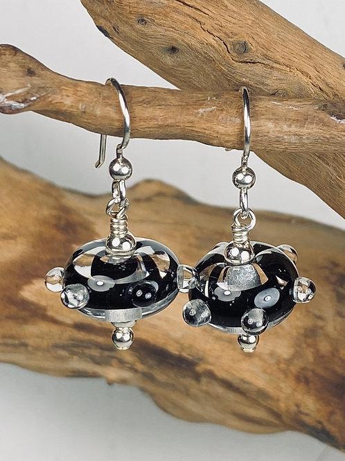 E083 Funky Filigrana Earrings w/Dot Trim Round Beads Black