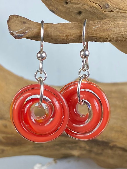 E141 Filigrana Disc Bead Earrings - Red