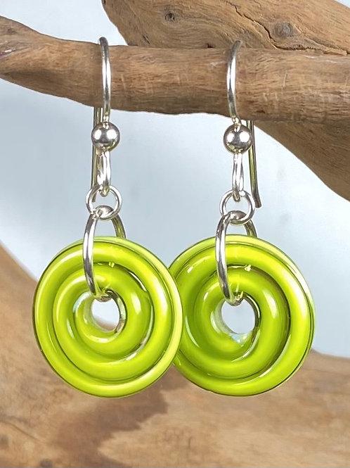 E137 Filigrana Disc Bead Earrings - Lime Green