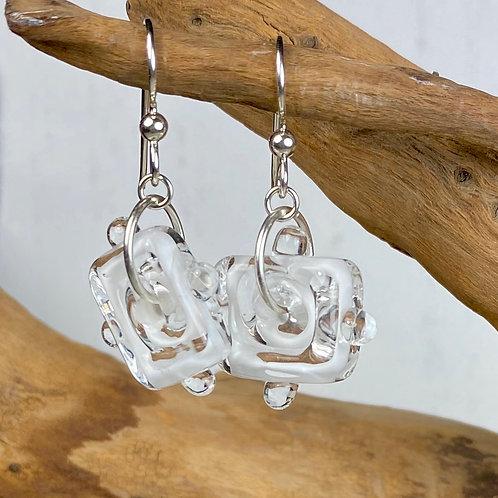 E084 Funky Filigrana Earrings w/Dot Trim Rectangle Beads White
