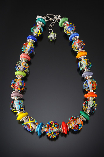 BLN108 Clear Round Beads w/Multicolor Scribbles Necklace