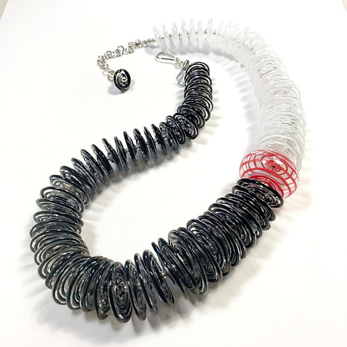 N028 Filigrana Disc Bead Necklace: Black/White/Red