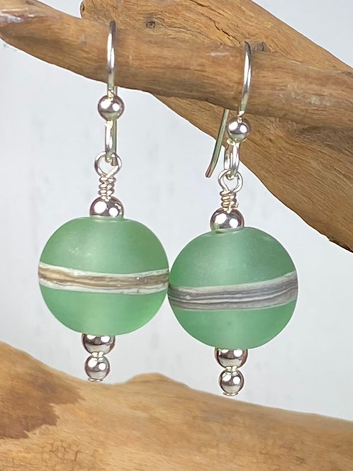 E092 Etched Round Bead Earrings w/Silvered Ivory Trim - Green