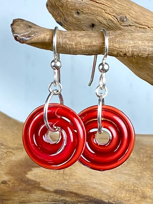 E135 Filigrana Disc Bead Earrings - Deep Red