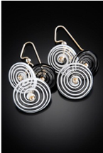 E015 Six Bead Black & White Filigrana Disc Earrings