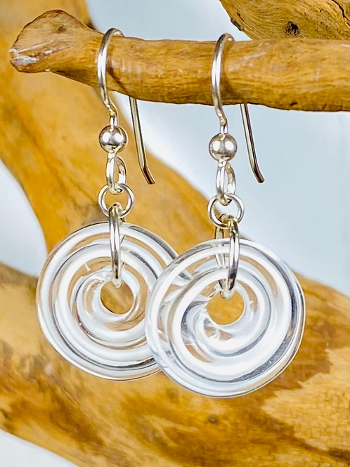 E138 Filigrana Disc Bead Earrings - White