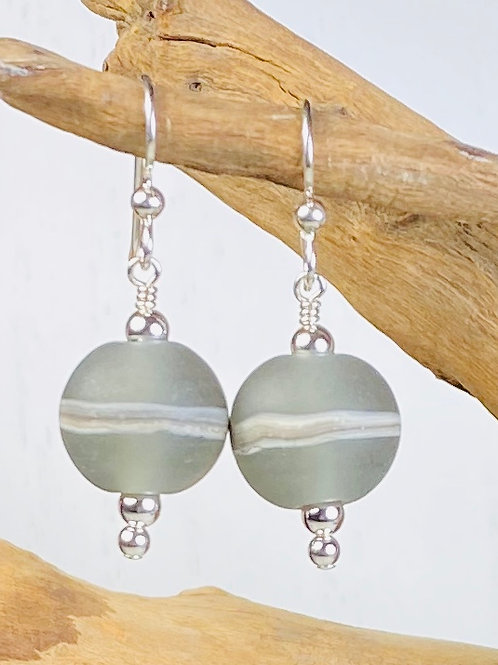 E093 Etched Round Bead Earrings w/Silvered Ivory Trim - Grey