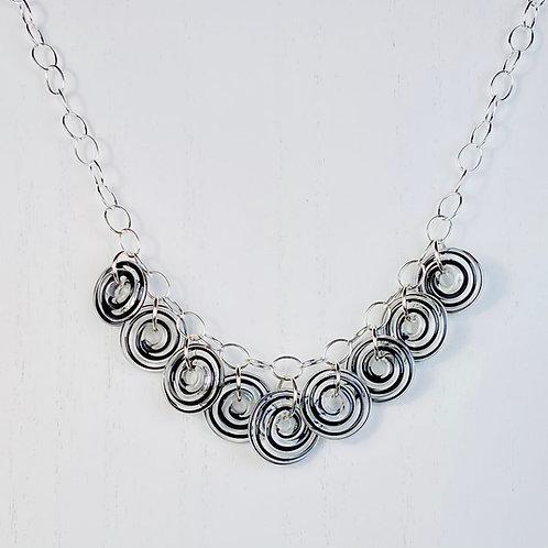 N122 Nine Bead Necklace Filigrana Black