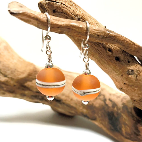 E094 Etched Round Bead Earrings w/Silvered Ivory Trim - Amber