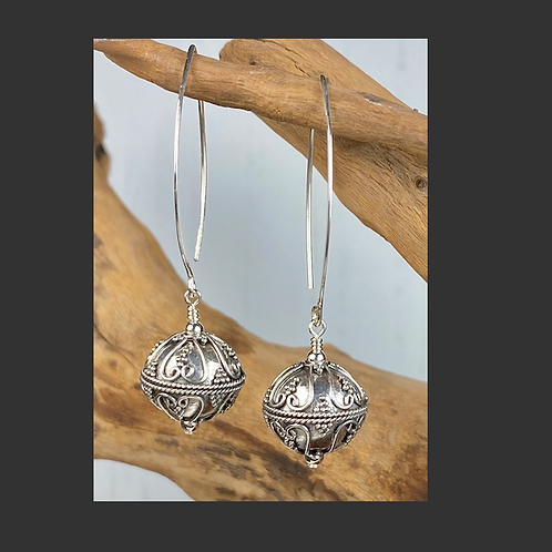 E241 Bali Bead Sterling Silver Sparkling Earrings - E241