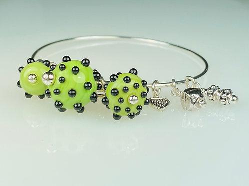 B053 A & A Bracelet Opaque Lime Round Beads w/Black Dot Trim