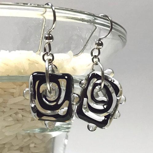 E088 Funky Filigrana Earrings w/Dot Trim Square & Square Beads Black