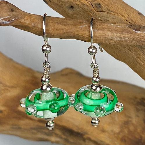 E081 Funky Filigrana Earrings w/Dot Trim Round Beads Green