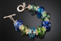 B509 Blues & Greens Hollow Bead Bracelet