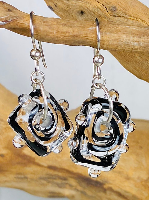 E082 Funky Filigrana Earrings w/Dot Trim Rectangle Beads Black