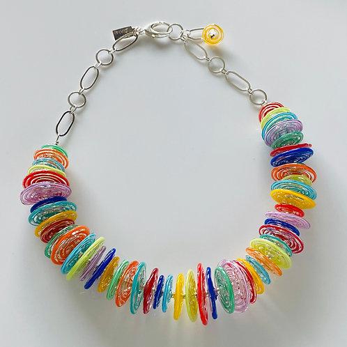 N024 Multicolor Filigrana Disc Bead 3/4 Necklace