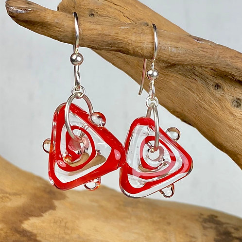 E080 Funky Filigrana Earrings w/Dot Trim Red Triangles