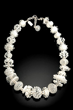 BLN105 Summer Fancy White Necklace