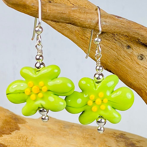 E100 Flower Bead Earrings Opaque Lime w/ Yellow Stamens