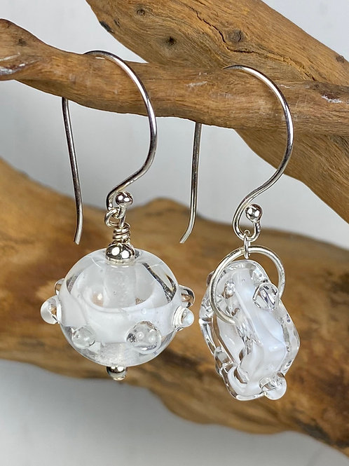 E079 Funky Filigrana Earrings w/Dot Trim Round & Square Beads White