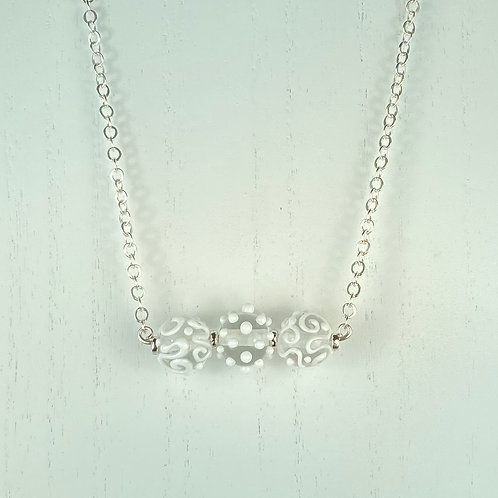 N062 Bar Necklace Clear Round Beads w/White Scribbles
