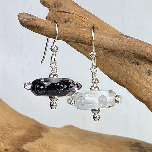 E078 Funky Filigrana Earrings w/Dot Trim Black & White Flat Round Beads