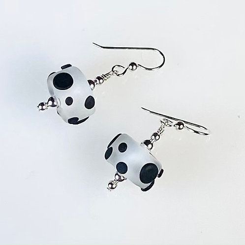 E037 Chunky Barrel Earrings Etched w/Black Pressed Dot Trim