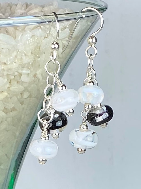 E150 Six Baby Bead Earrings Filigrana Beads White/Black/White