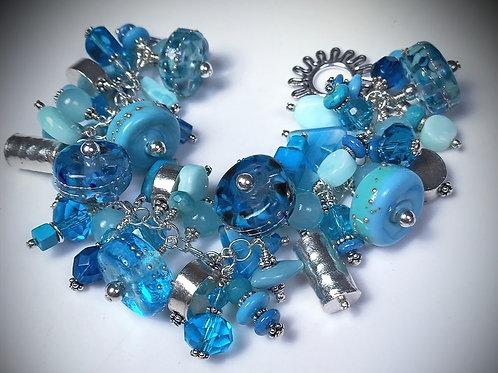 B023 Cha-Cha Bracelet Blue/Turquoise Barrel Beads w/Silver Trim