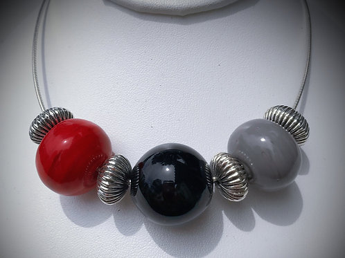 N198 3 Hollow Bead Necklace – Opaque Red/Black/Grey