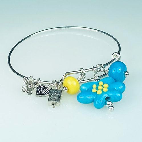 B060 A & A Bracelet Opaque Turquoise Flower Bead w/Yellow Trim