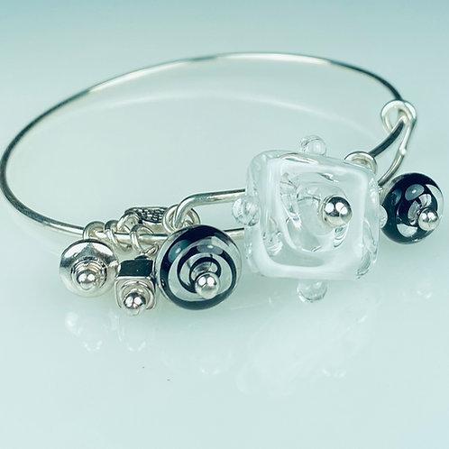B072 A & A Bracelet White Filigrana Square Flat Bead w/Dot Trim