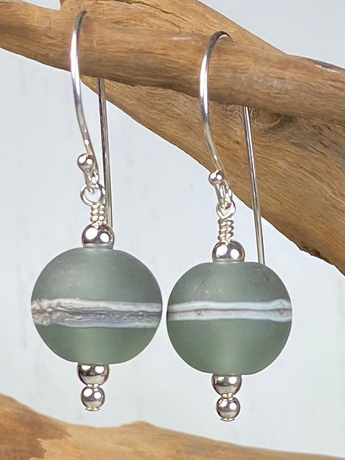 E095 Etched Round Bead Earrings w/Silvered Ivory Trim - Moss Green