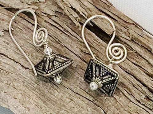 E200 Bali Bead Sterling Silver Sparkling Earrings - E200