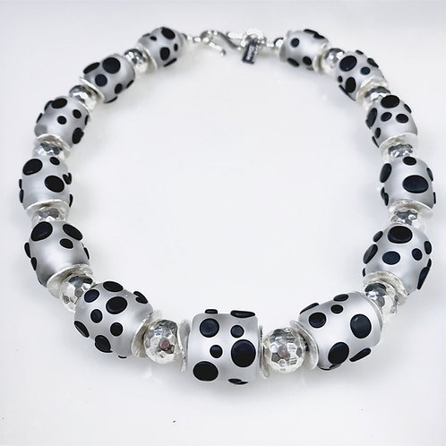 N166 Chunky Etched Clear Barrel Bead Necklace w/Pressed Black Dot Trim