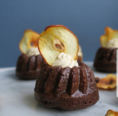 Gingerbread Mini Bundts for Wedding Dessert Table