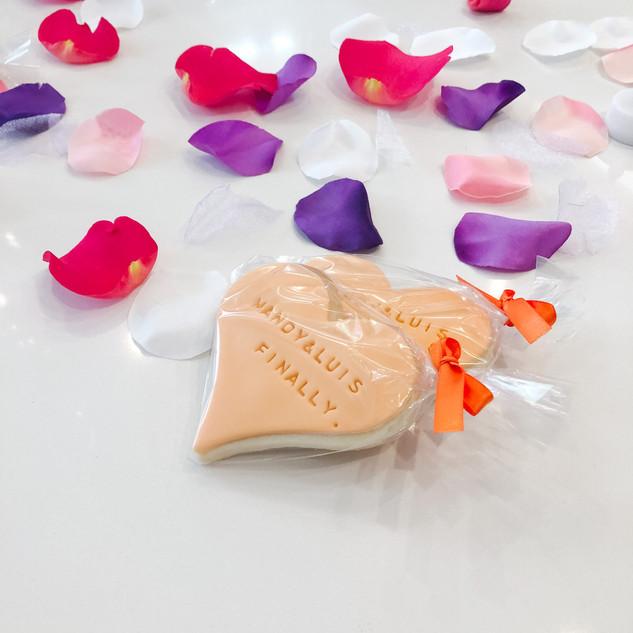 weddingcookies.JPG