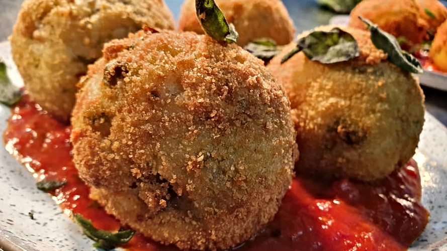 Sage and Onion arancini, tomato ragu.jpg